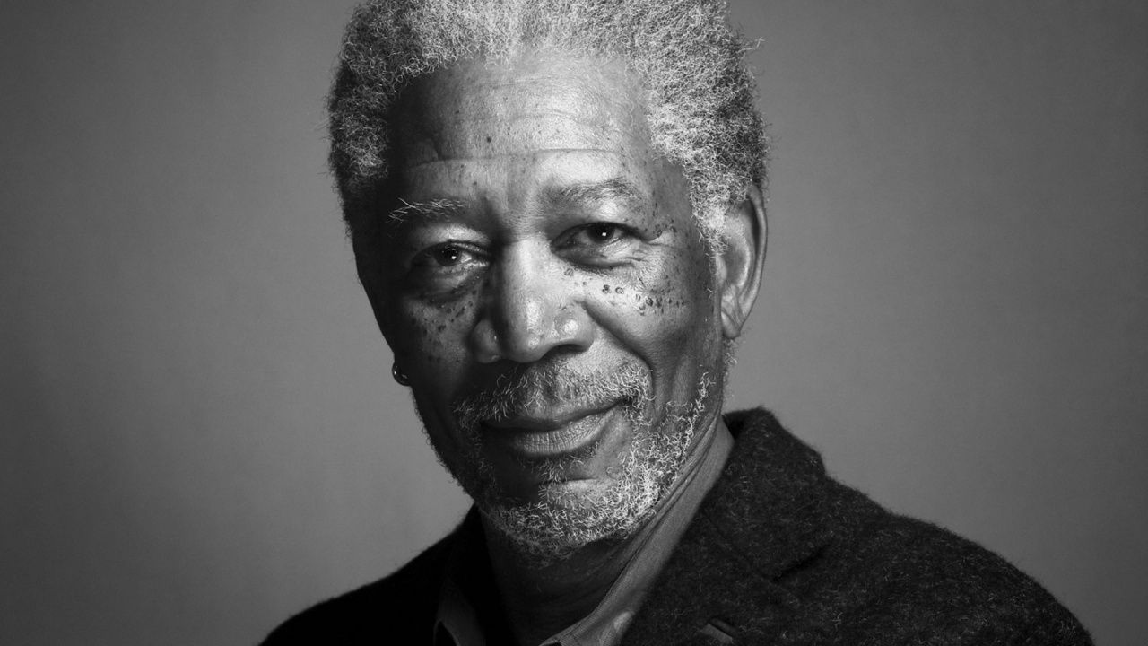 Grave incidente aereo per Morgan Freeman