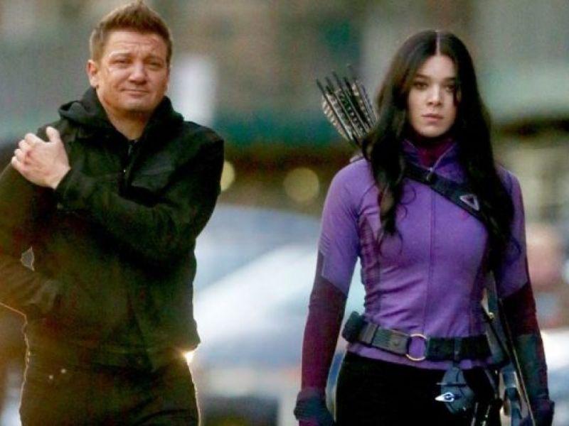 Hawkeye: Hailee Steinfeld in azione sul set della serie Marvel