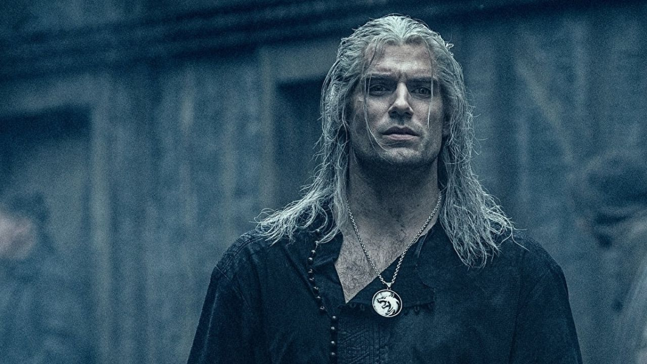 Henry Cavill, il post della star di The Witcher fa sognare i fan. Cosa bolle in pentola?