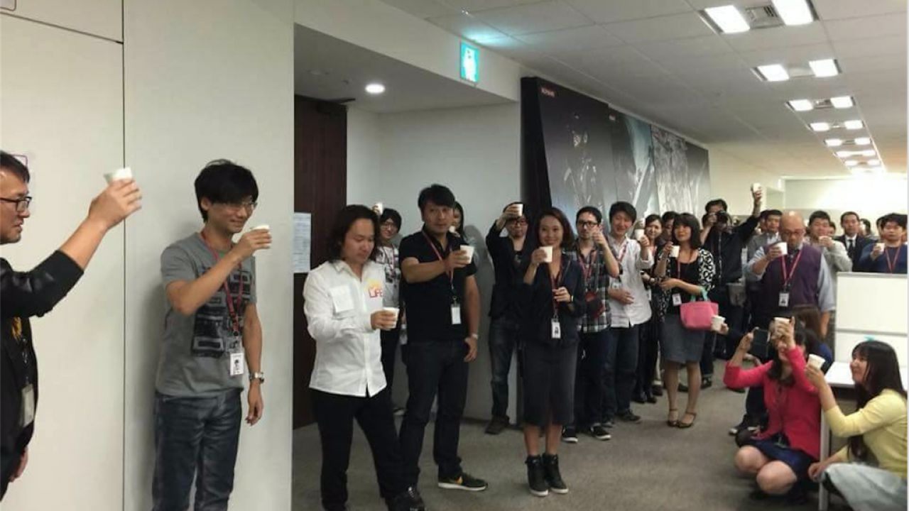 Hideo Kojima e Konami: spunta una foto della presunta festa di addio del 9 ottobre