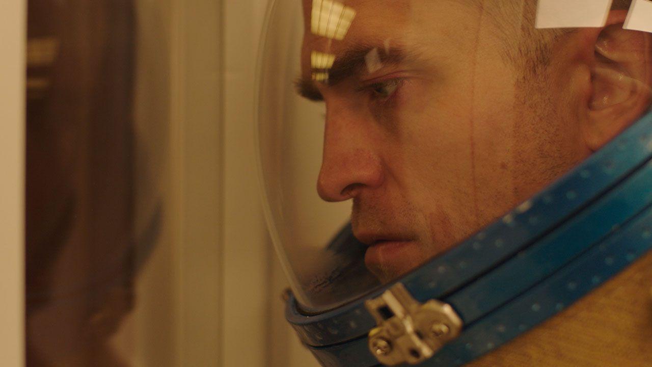 High Life: nuovo poster per il film con Robert Pattinson, trailer in arrivo domani