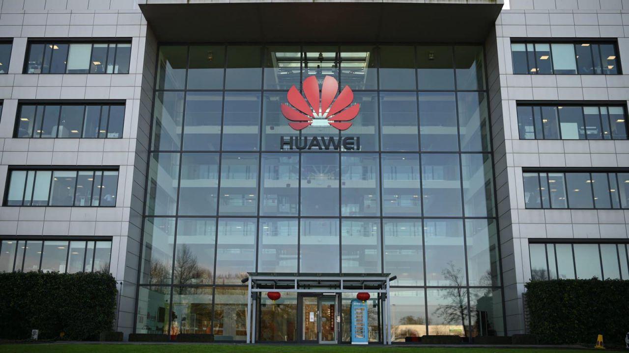 Huawei, nuovo rapporto del Regno Unito accusa l'azienda di cospirare col governo cinese