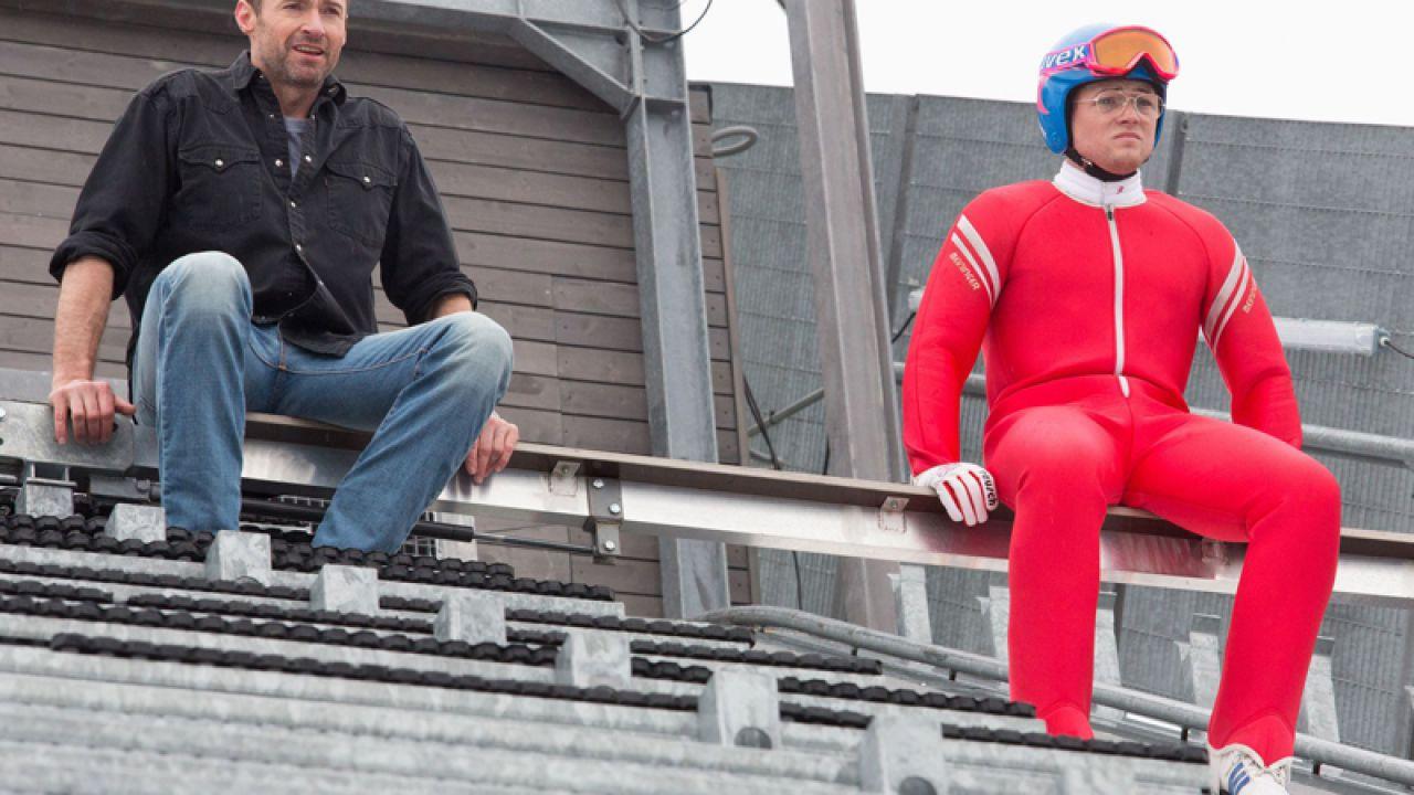 Hugh Jackman e Taron Egerton sul set di Eddie 'The Eagle' Edwards