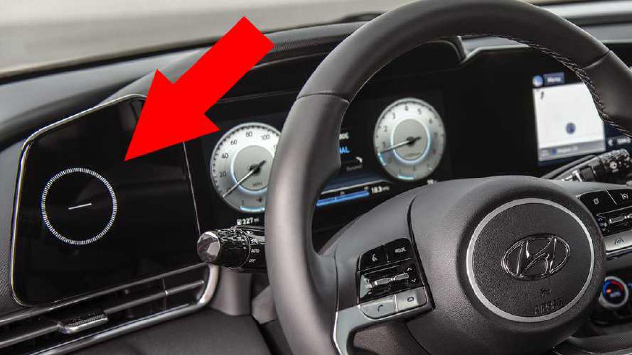Hyundai dà una spiegazione allo stranissimo cerchietto della sua Elantra
