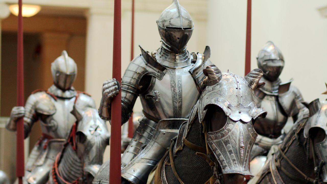 I cavalieri in armatura potevano andare in bagno? Sì, ma con qualche difficoltà