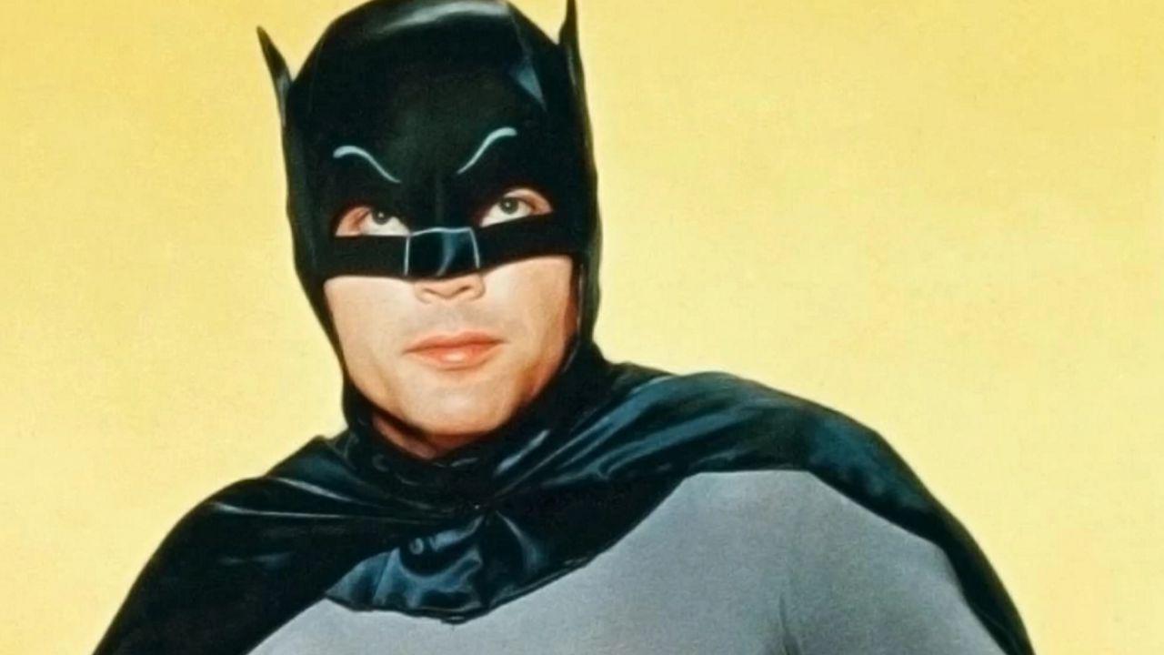 I fan celebrano Adam West, lo storico interprete del Batman televisivo