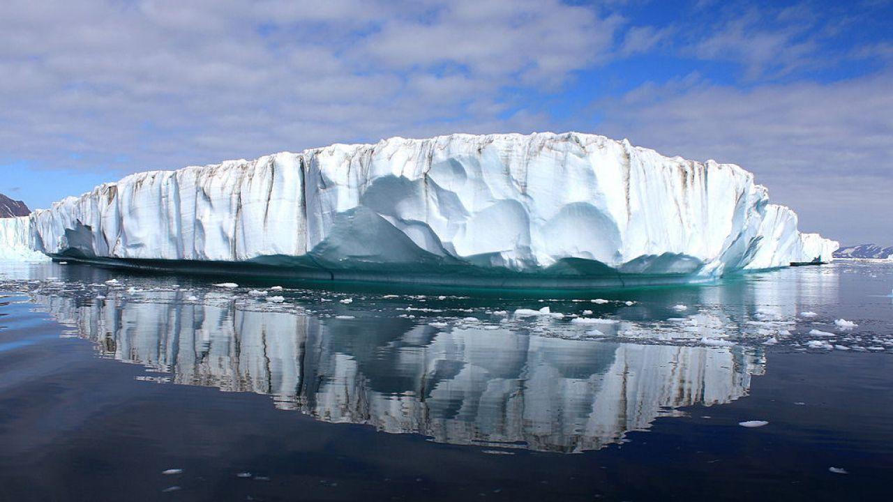 I ghiacci della Groenlandia si stanno sciogliendo sette volte più velocemente del previsto