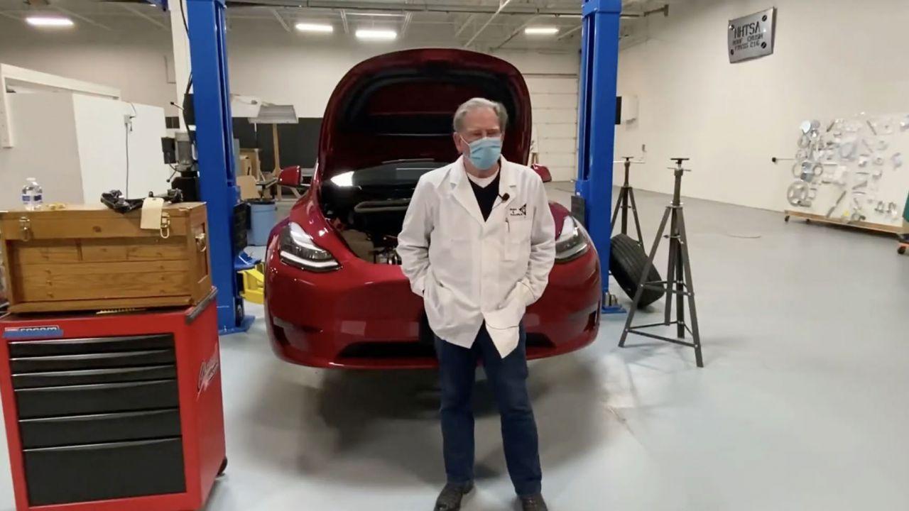 I miglioramenti della Tesla Model Y rispetto alla Model 3 secondo Sandy Munro