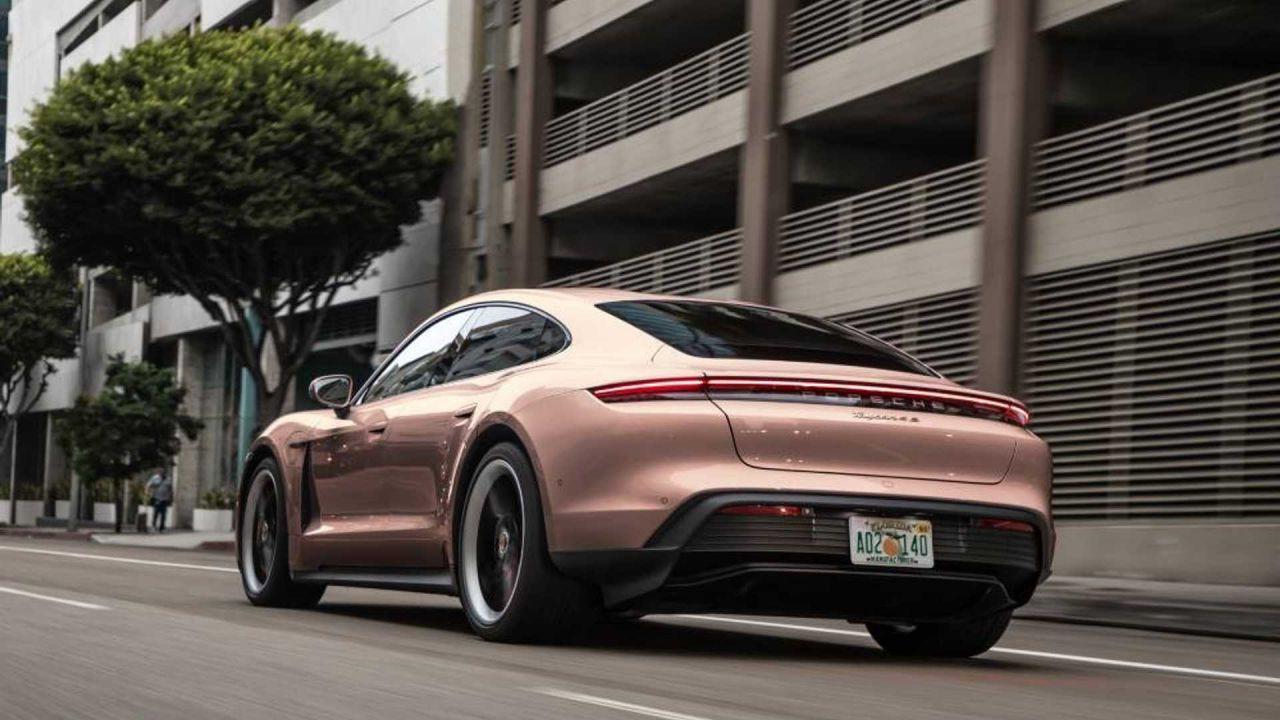 I nuovi colori per la Porsche Taycan sono estrosi ed eccitanti