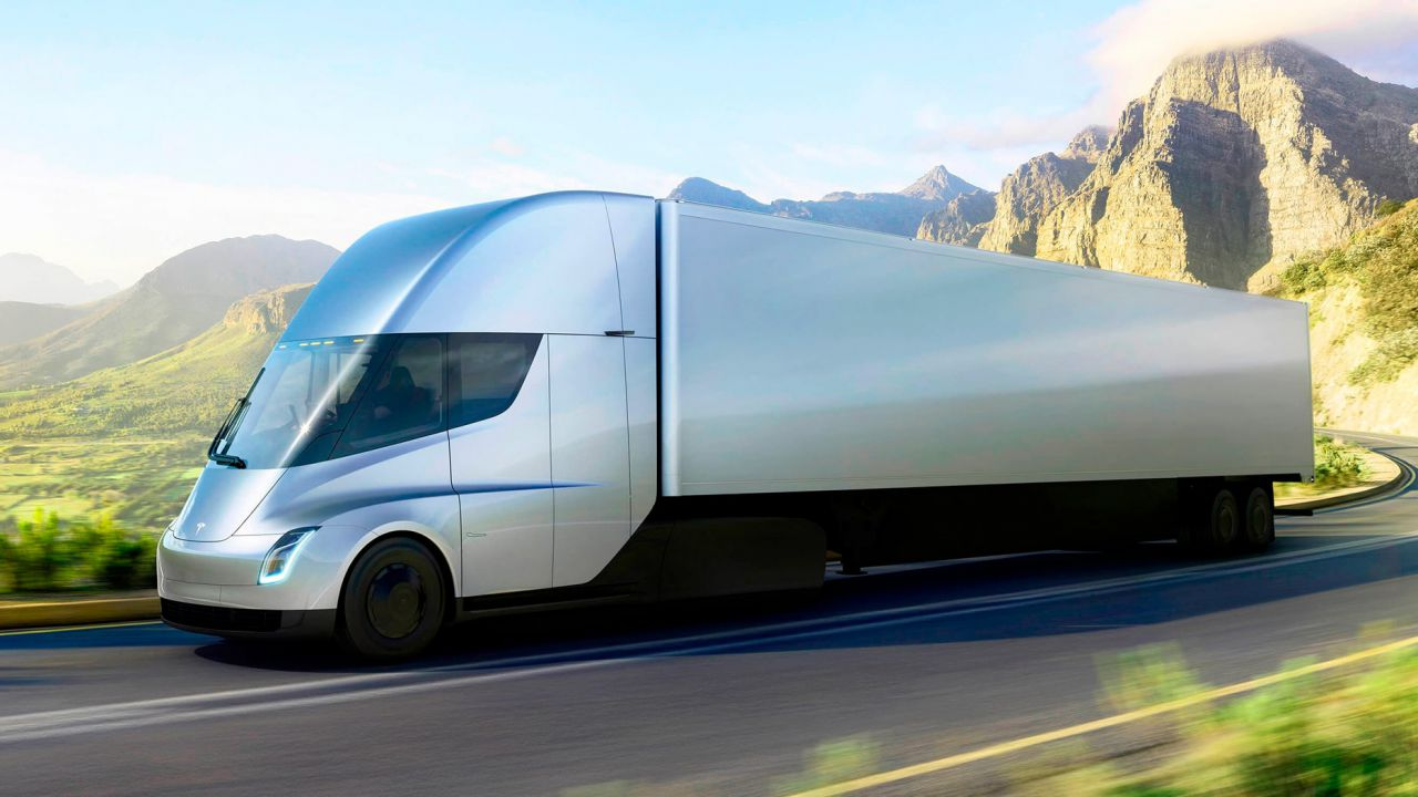 I Tesla Semi invaderanno gli Stati Uniti: decine di migliaia di esemplari in pochi anni