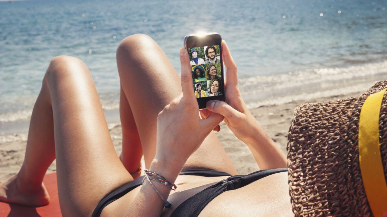 Il 57% degli utenti vuole restare connesso anche in vacanza
