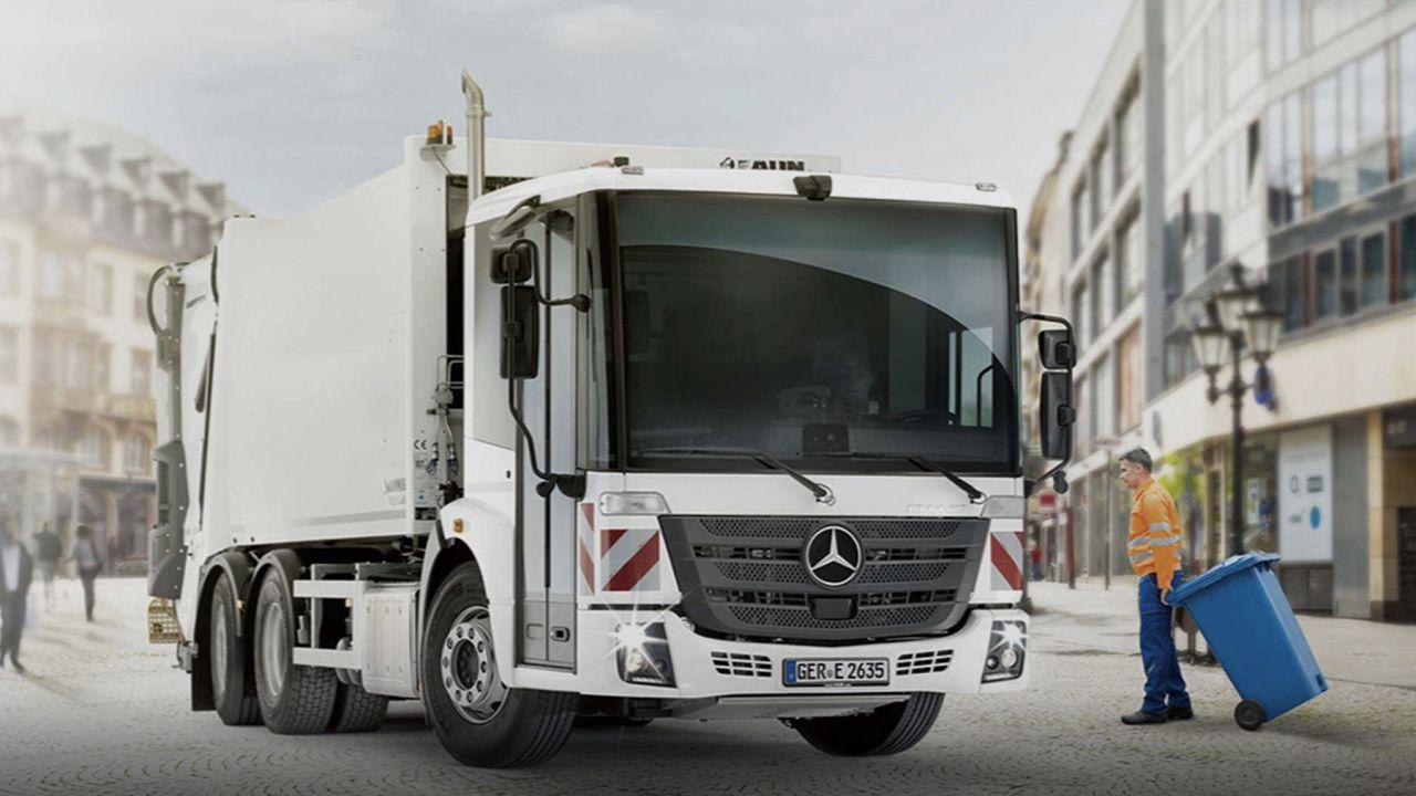 Il camion dei rifiuti elettrico secondo Mercedes-Benz: il nuovo eEconic