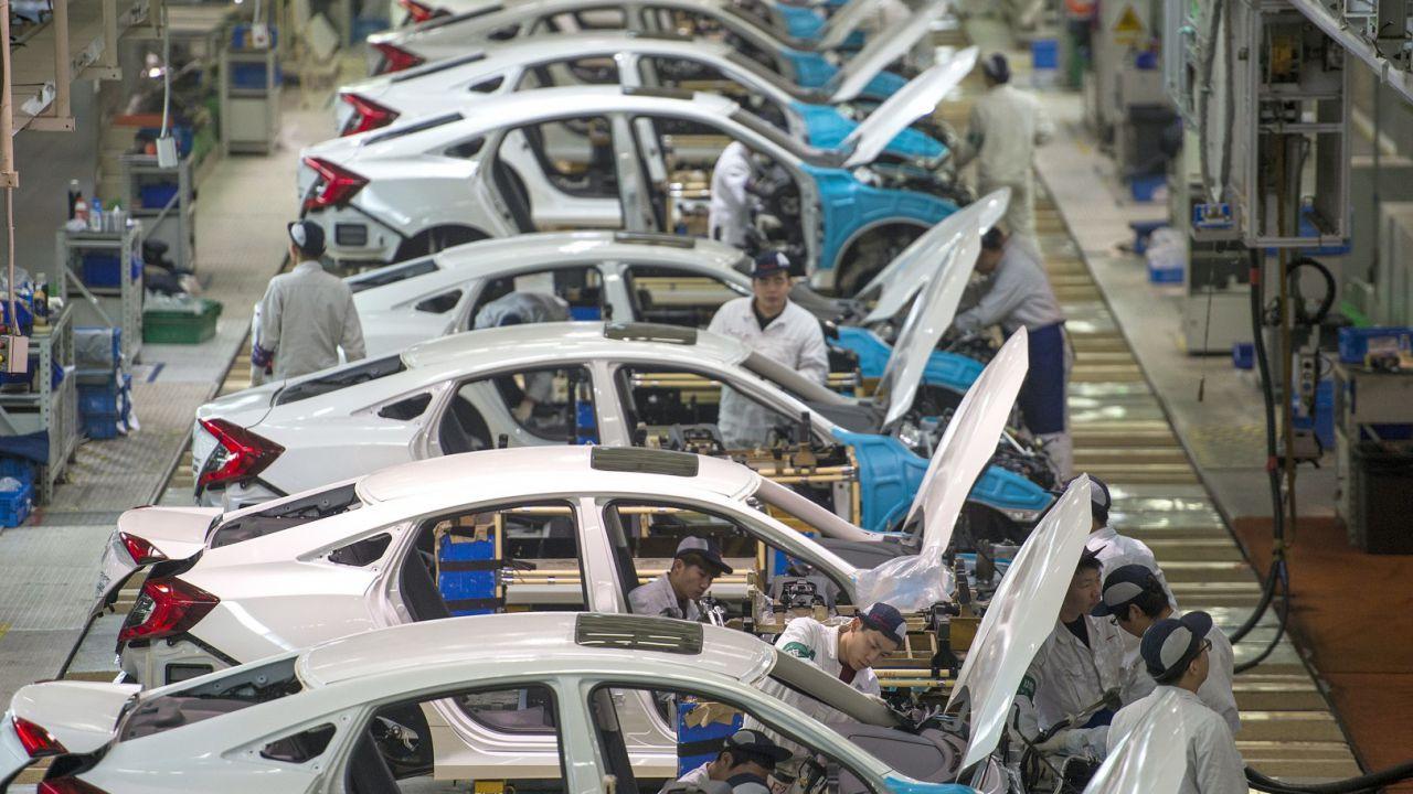 Il coronavirus ha bloccato il settore auto: ecco le date dell'eventuale ripartenza