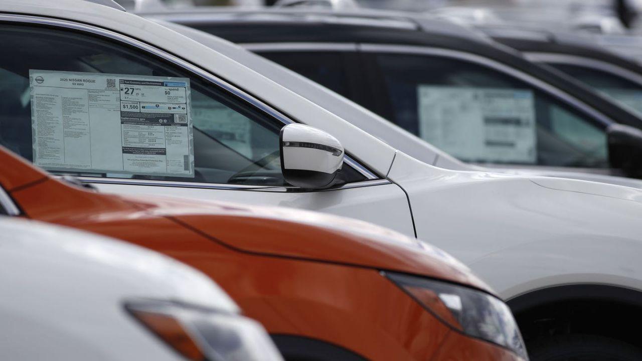 Il coronavirus sta costringendo le concessionarie d'auto a cedere all'innovazione