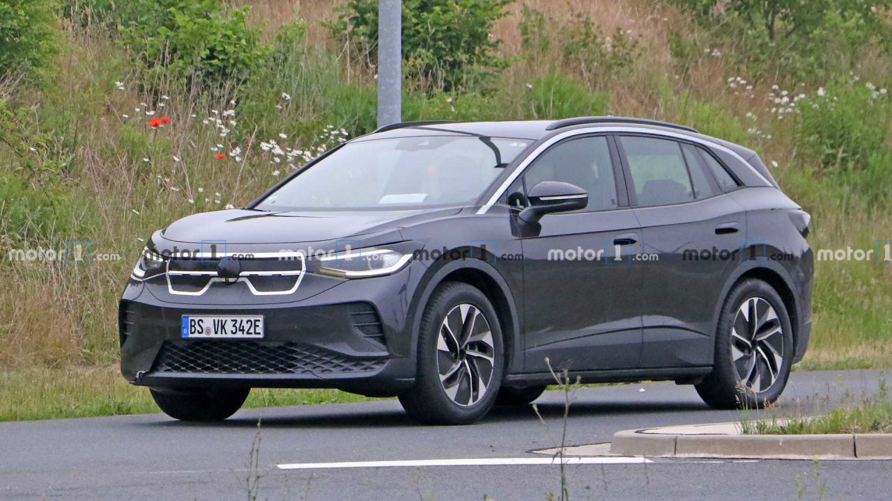 Il crossover Volkswagen ID.4 si mostra in nuove foto spia: somiglia a una Kia?