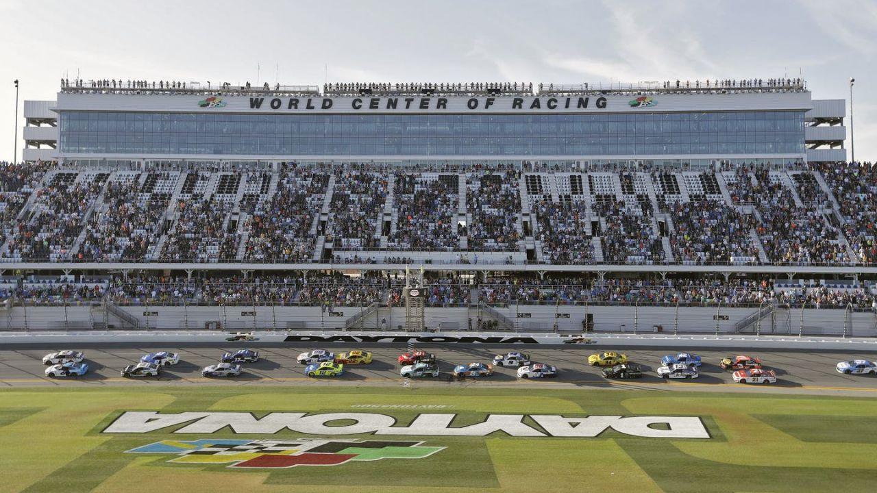 Il Daytona International Speedway inaugura i test per il covid-19 'drive-thru'