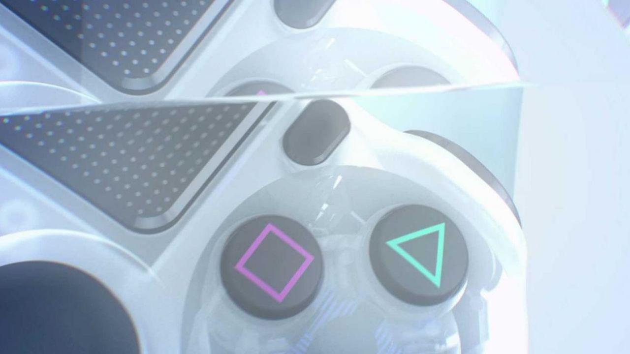 Il DualShock 4 trasparente si mostra in video