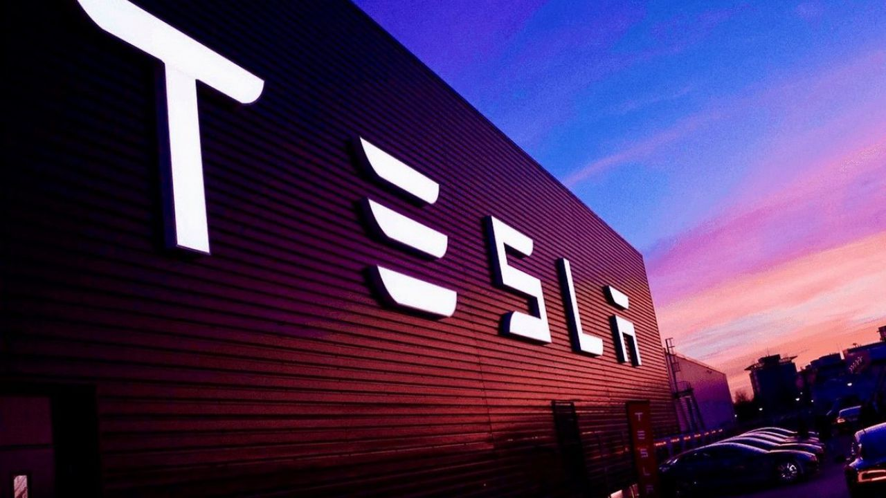 Il Gruppo FCA ha speso 300 milioni di crediti 'green', e Tesla sorride