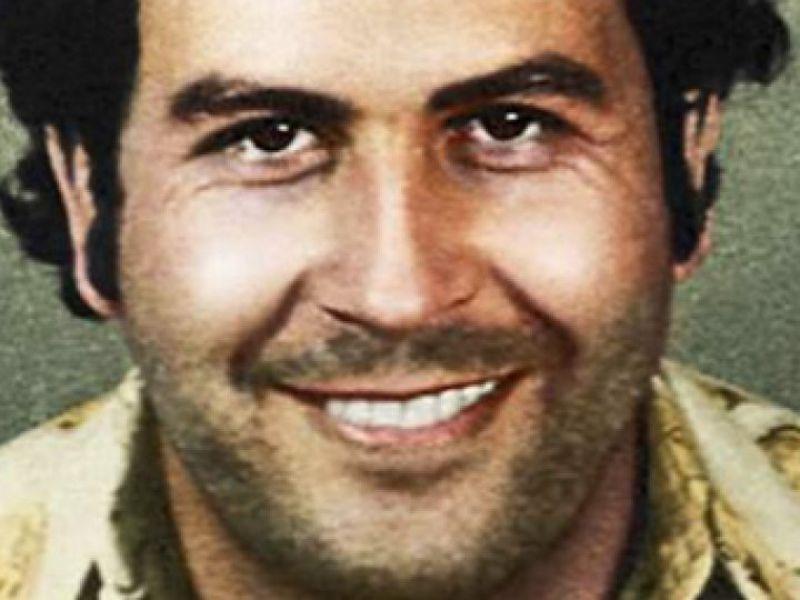 Il fratello di Pablo Escobar: 'l'iPhone X mi ha quasi ucciso', chiesti 2 miliardi ad Apple