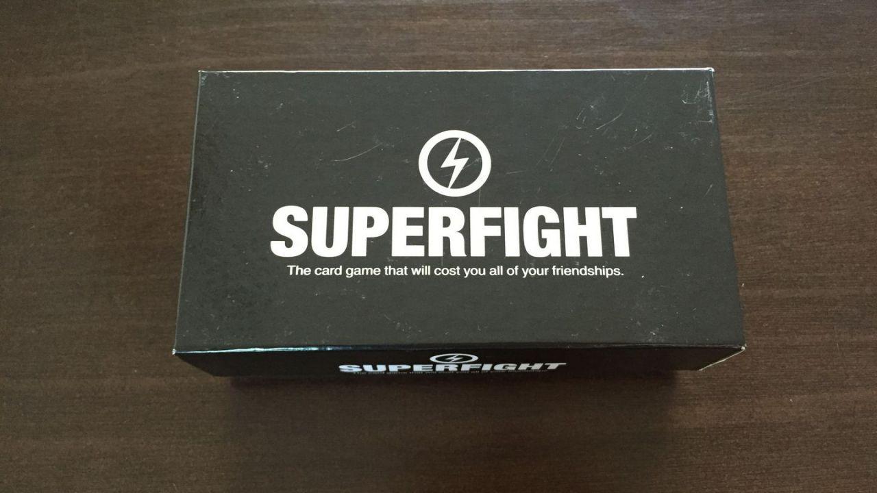 Il gioco di carte Superfight arriva su Steam