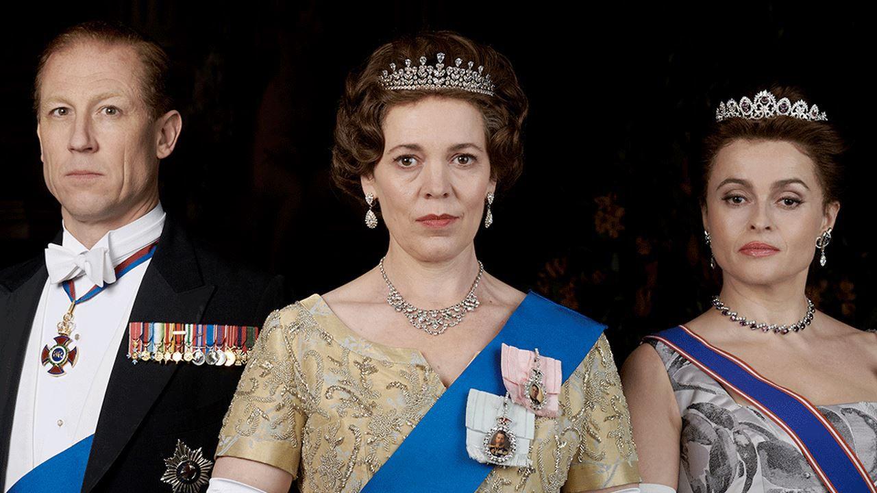 Il principe William con Lady Diana nell'immagine della quarta stagione di The Crown