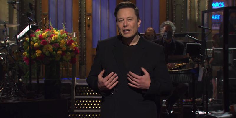 Il Saturday Night Live costa carissimo ad Elon Musk: persi 20 miliardi di Dollari