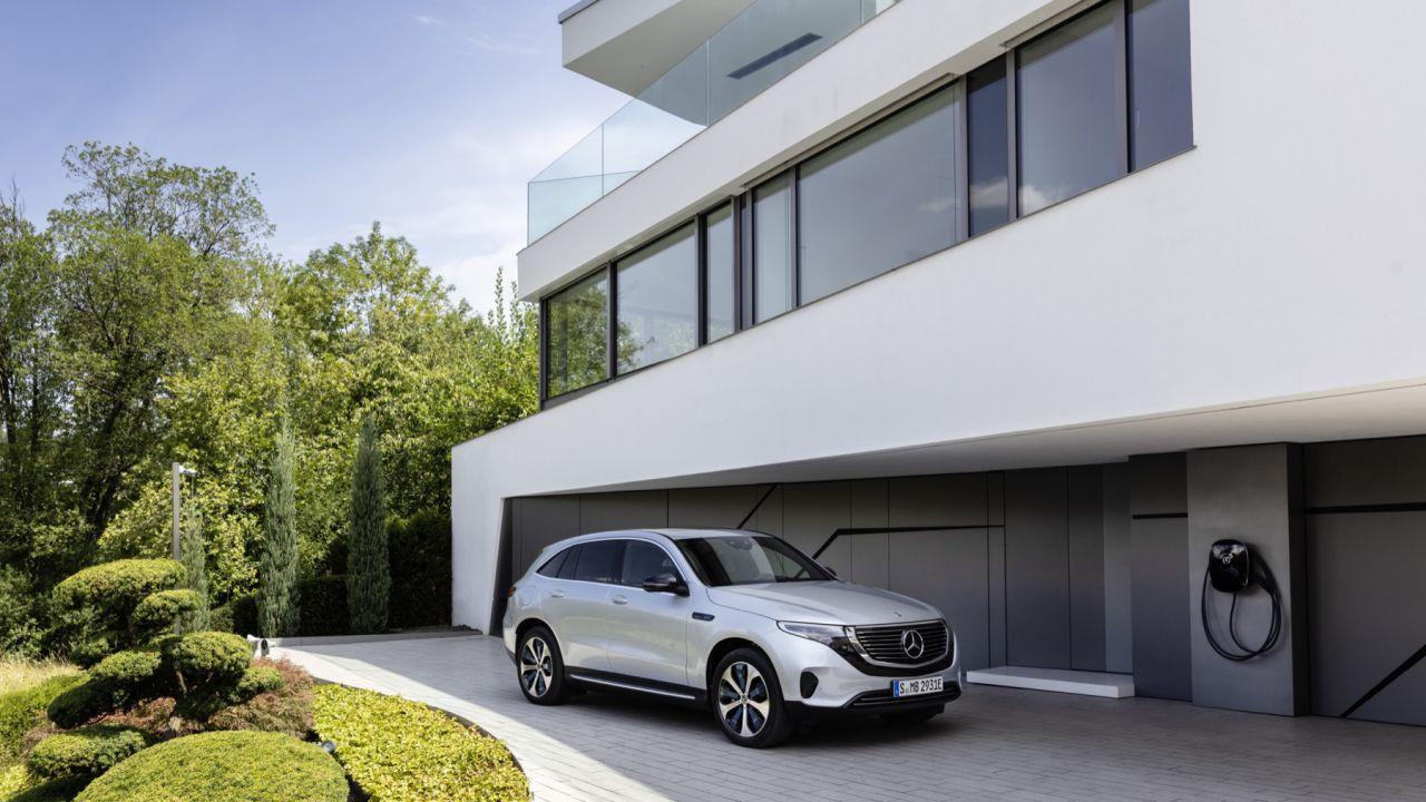 Il SUV elettrico anti-Tesla Mercedes-Benz EQC è un flop? In Germania vendute 55 unità