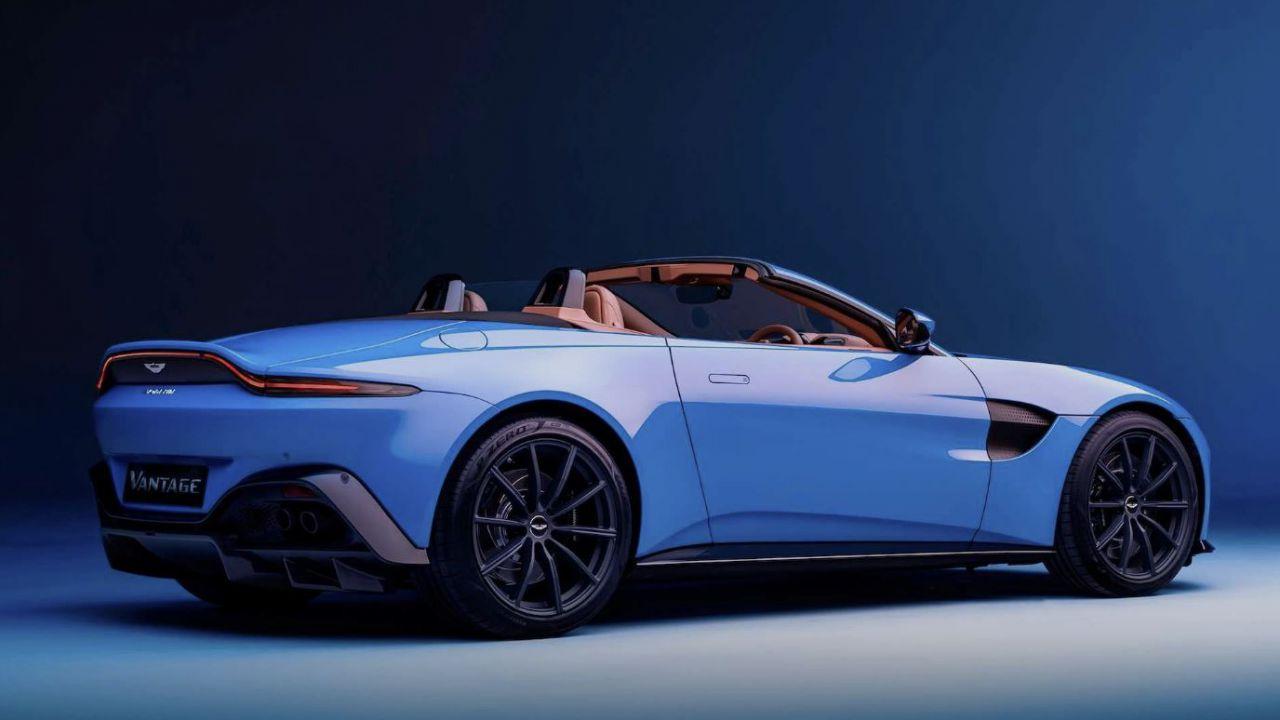 Il tettuccio dell'Aston Martin Vantage Roadster si chiude in meno di 7 secondi