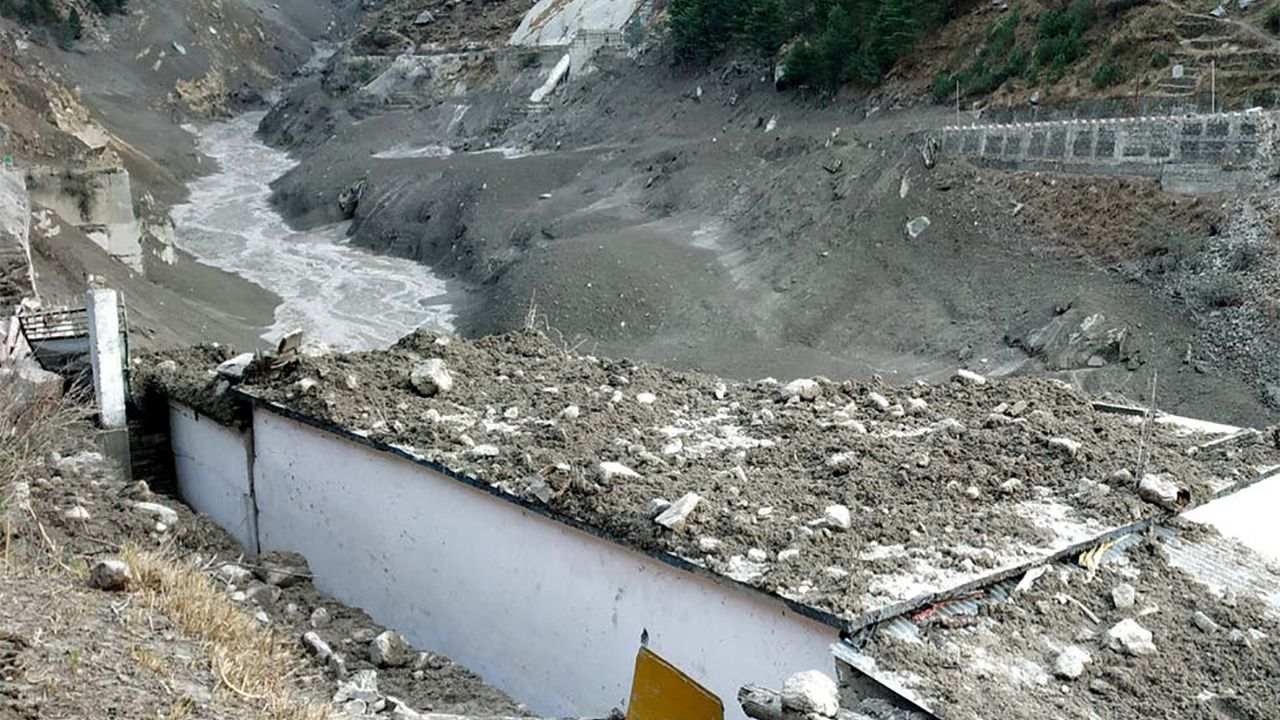 Il tragico crollo del ghiacciaio dell'Himalaya è solo l'inizio, dicono gli esperti