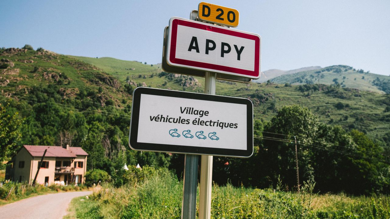 In un paesino francese tutti i residenti avranno una Renault ZOE: il progetto