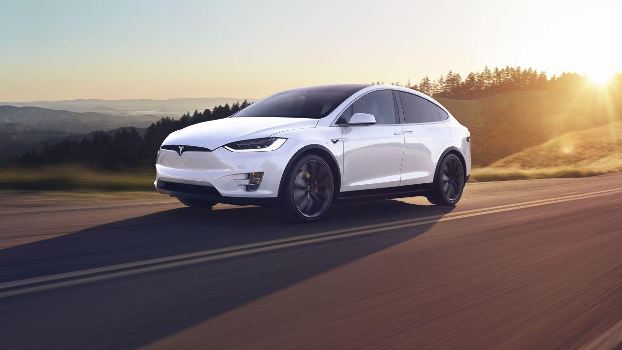 Incidente mortale in Giappone: incolpato l'Autopilot della Tesla Model X