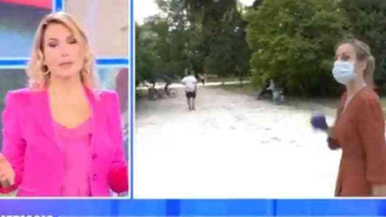 Incidente a Pomeriggio5: uomo si cala i pantaloni di fronte a Barbara D'Urso