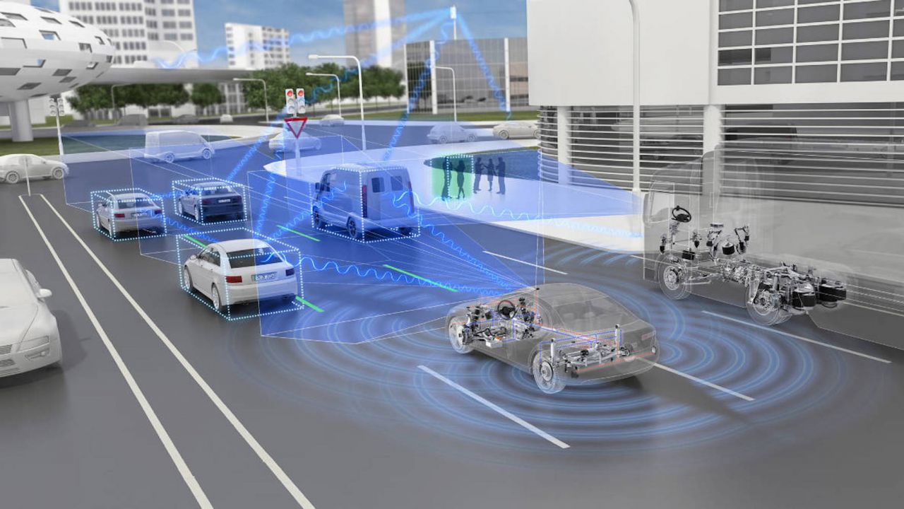 Incidenti stradali: dimezzate le vittime dal 2001, con l'IA si punta allo zero