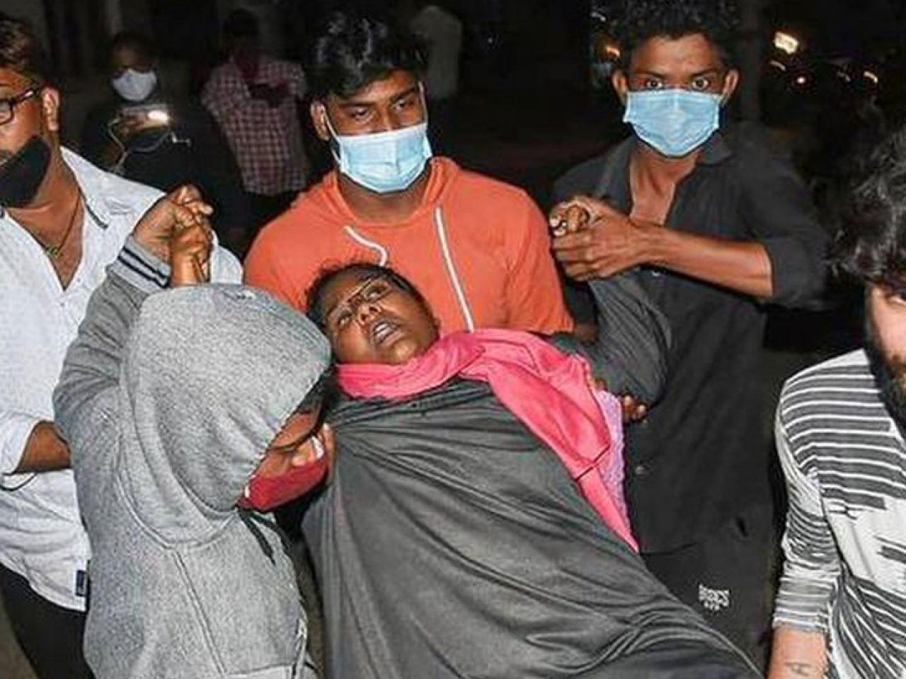 """India: una malattia """"misteriosa"""" sta mandando all'ospedale centinaia di  persone"""