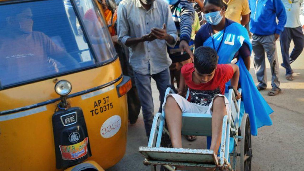 India: quello che sappiamo della misteriosa malattia che ha fatto ricoverare 450 persone