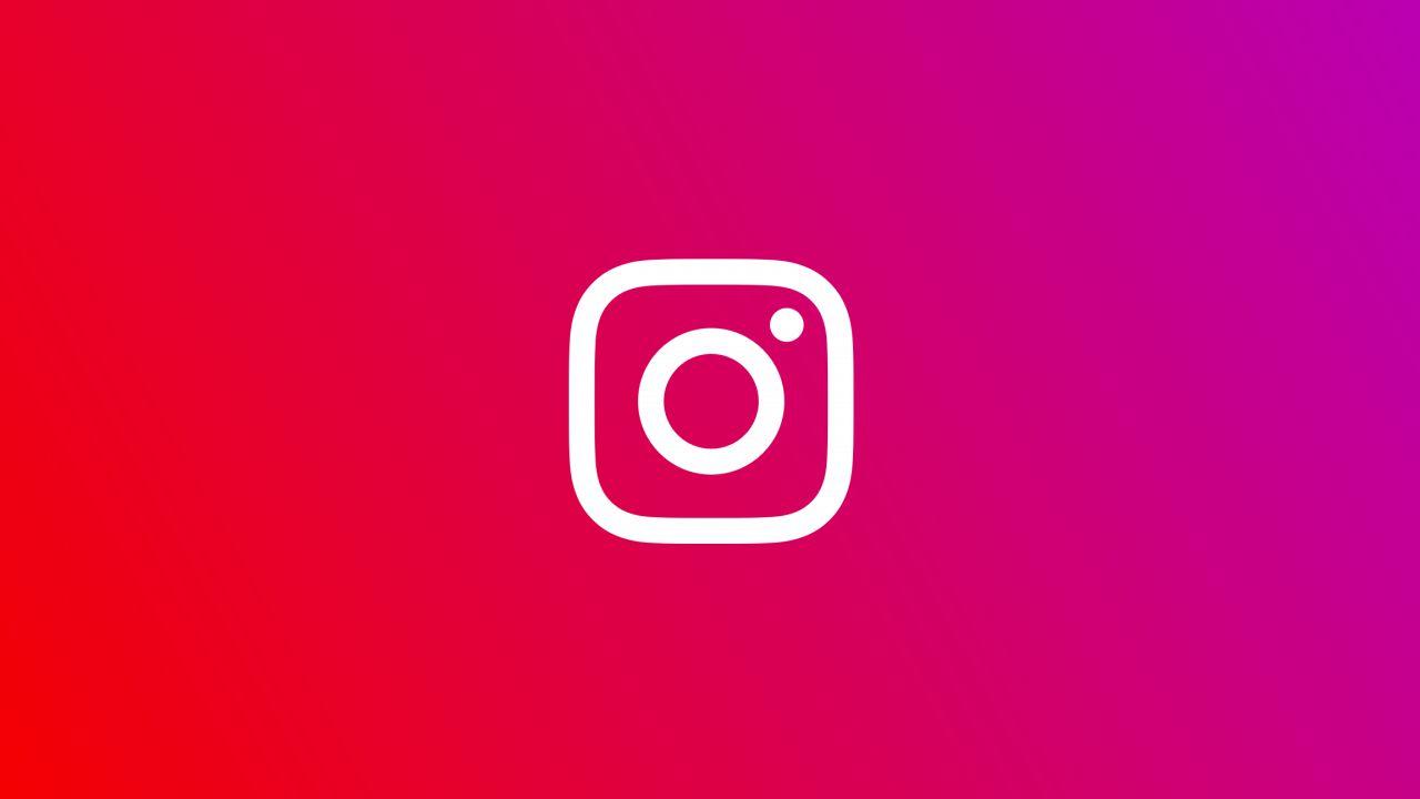 Instagram: foto e messaggi cancellati dagli utenti conservati sui server per un anno