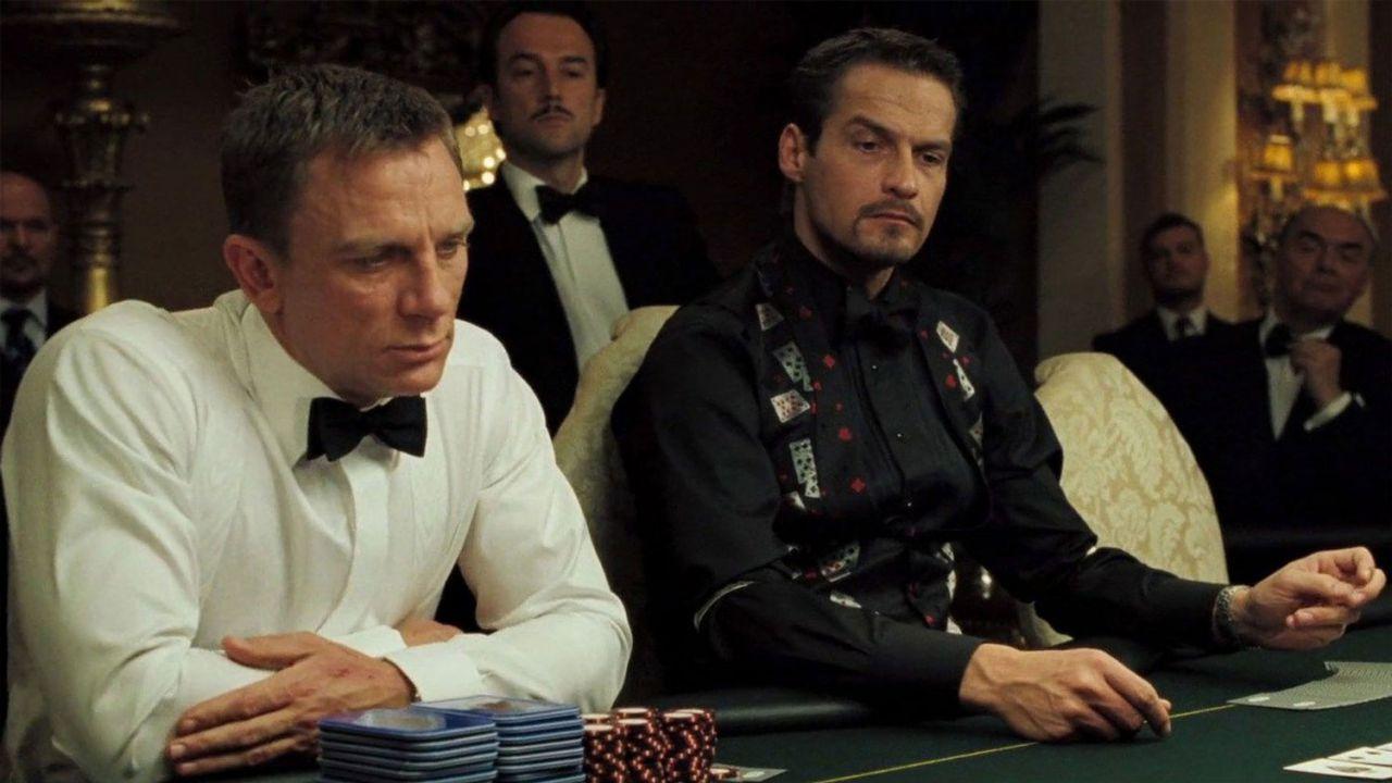 James Bond commette un errore clamoroso nel poker di Casino Royale: il regista ride ancora