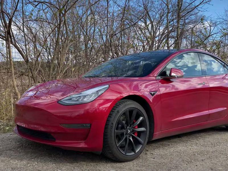Jason Fenske ha un serio problema con l'assistenza Tesla per la Model 3