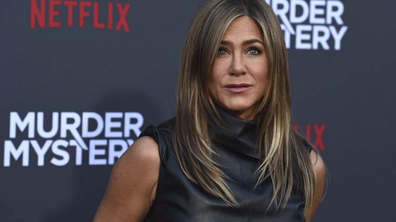 Jennifer Aniston e altri attori di Murder Mystery vs. la legge anti-aborto in Georgia