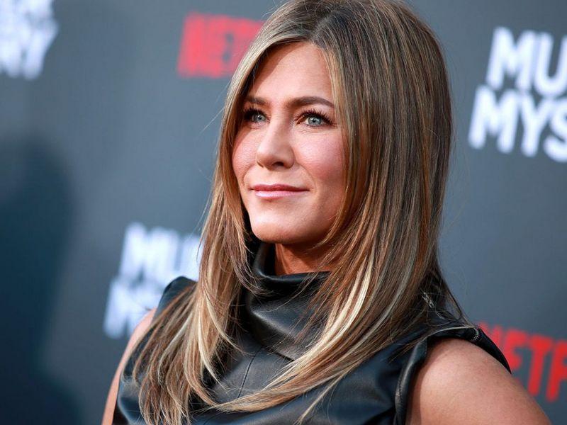 Jennifer Aniston nuda per beneficenza: all'asta una storica foto della star di Friends