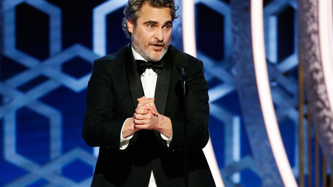 Joaquin Phoenix, uomo armato prende degli ostaggi per consigliare un suo film