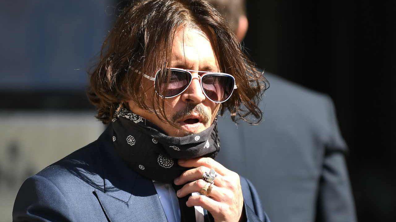 Johnny Depp, la cantante Sia difende la star: 'Con Amber Heard è lui la vittima'