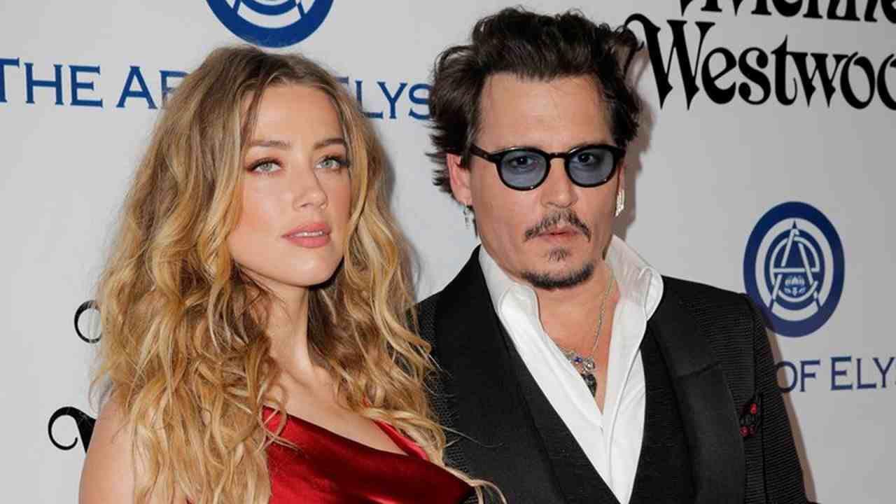 Johnny Depp, nuove accuse da Amber Heard: 'Fugge dagli USA per evitare il processo'