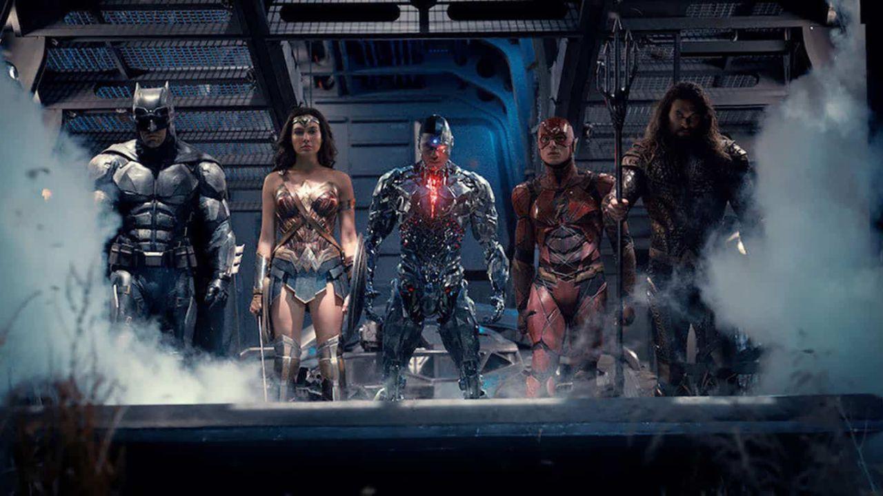 Justice League, il film di Zack Snyder diventa un fumetto nel bellissimo poster retro