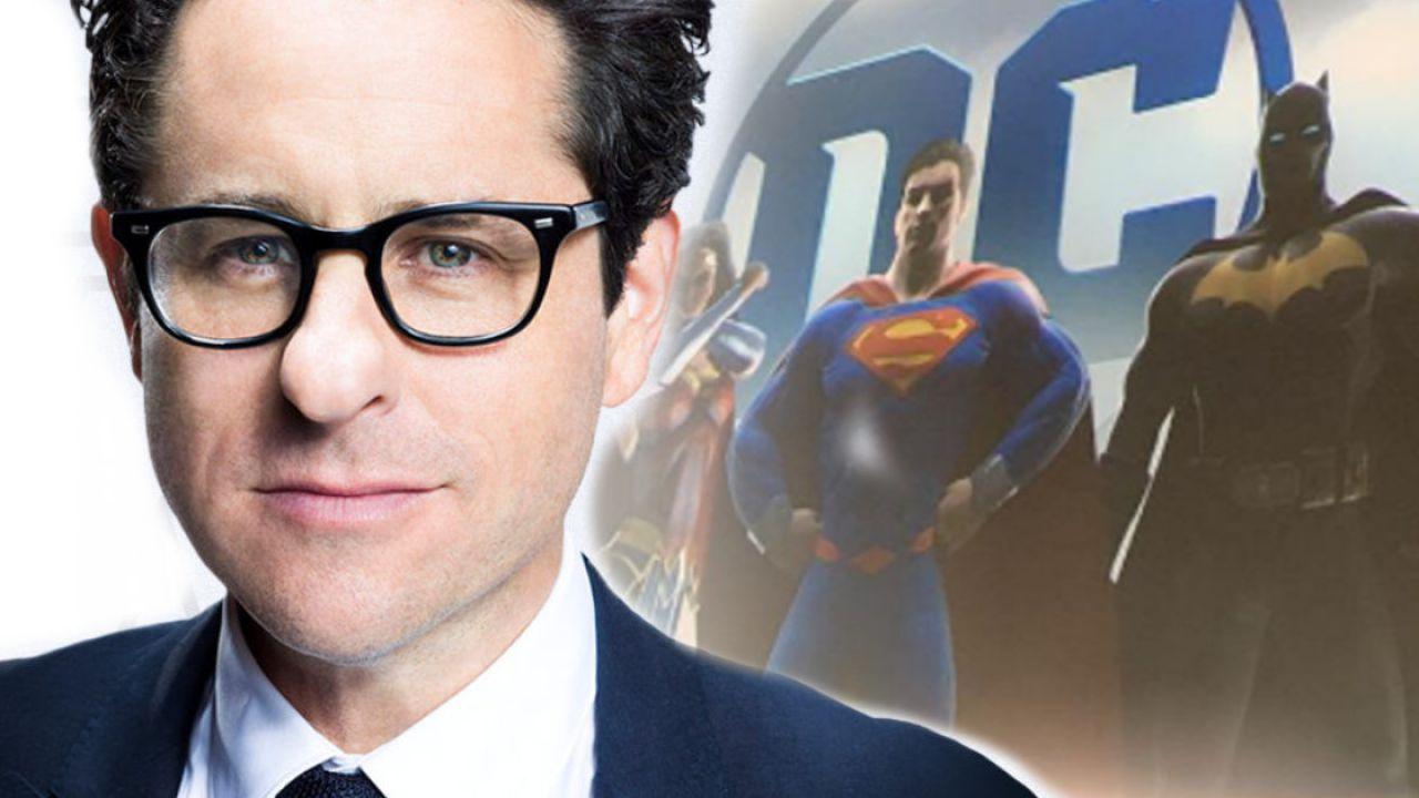 Justice League, smentita la voce di un reboot: J.J. Abrams non dirigerà il DC Universe