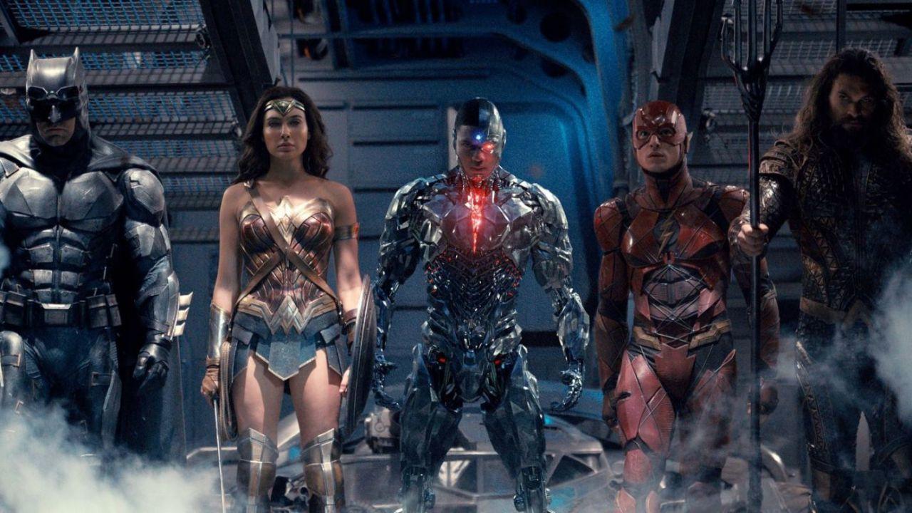 Justice League: il trailer del cinecomic è in arrivo