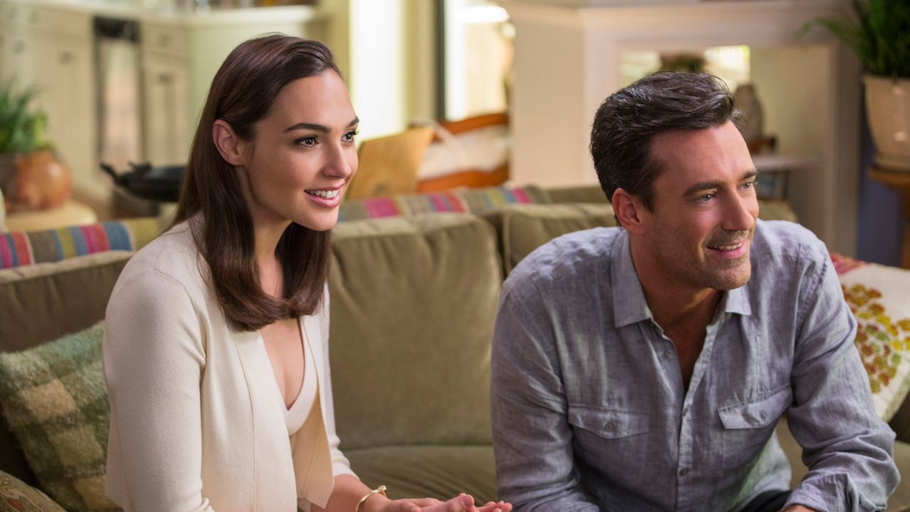 Keeping up with the Joneses: Gal Gadot in un nuovo video