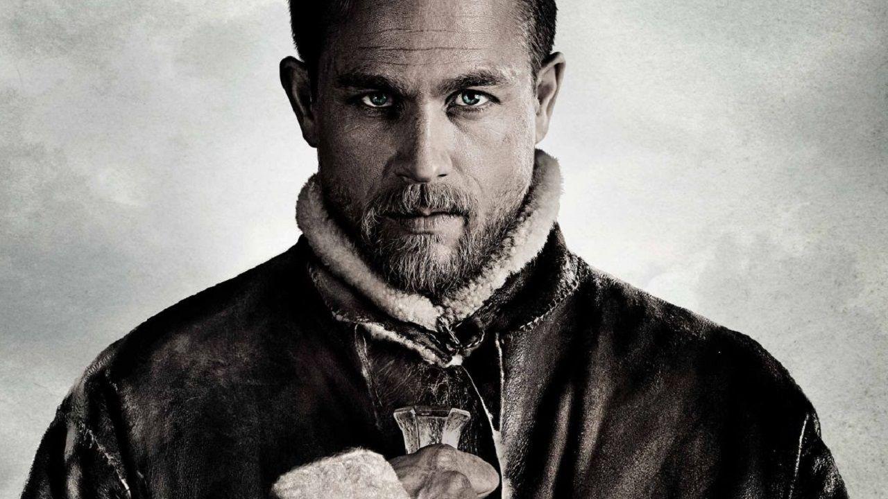 King Arthur: Il potere della Spada, Charlie Hunnam e Hounsou nei nuovi poster