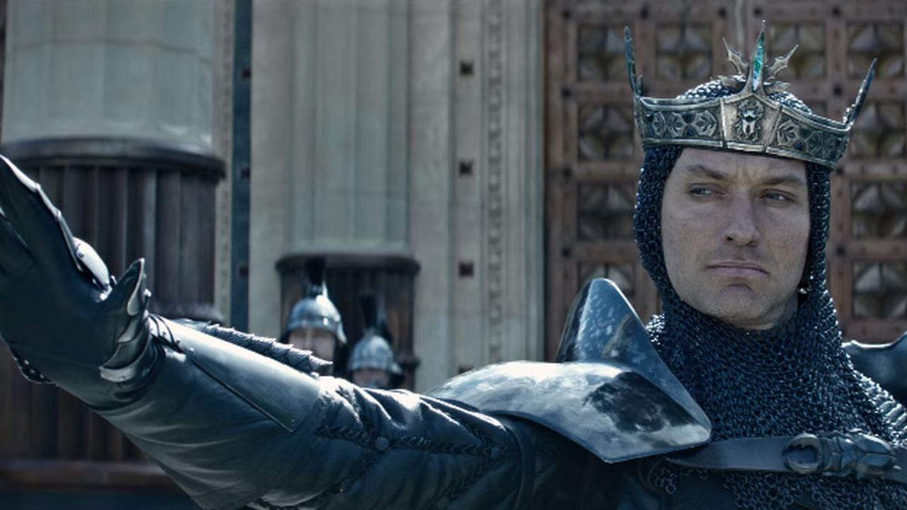 King Arthur: Il potere della spada, Jude Law e Charlie Hunnum nei nuovi poster