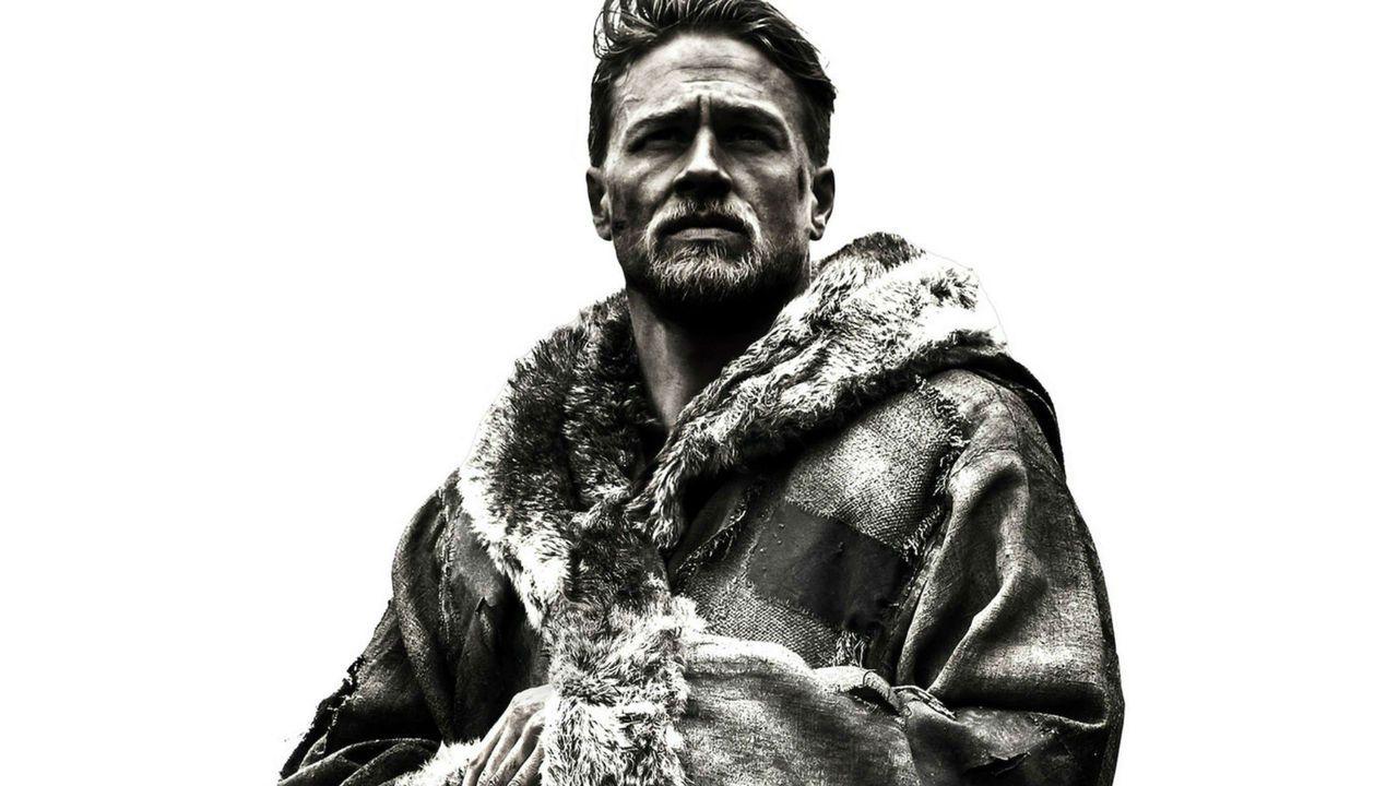King Arthur: Il Potere della Spada, il nuovo trailer con Charlie Hunnam e Jude Law